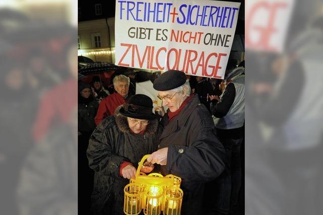 Kerzenlicht gegen Neonazi-Gewalt