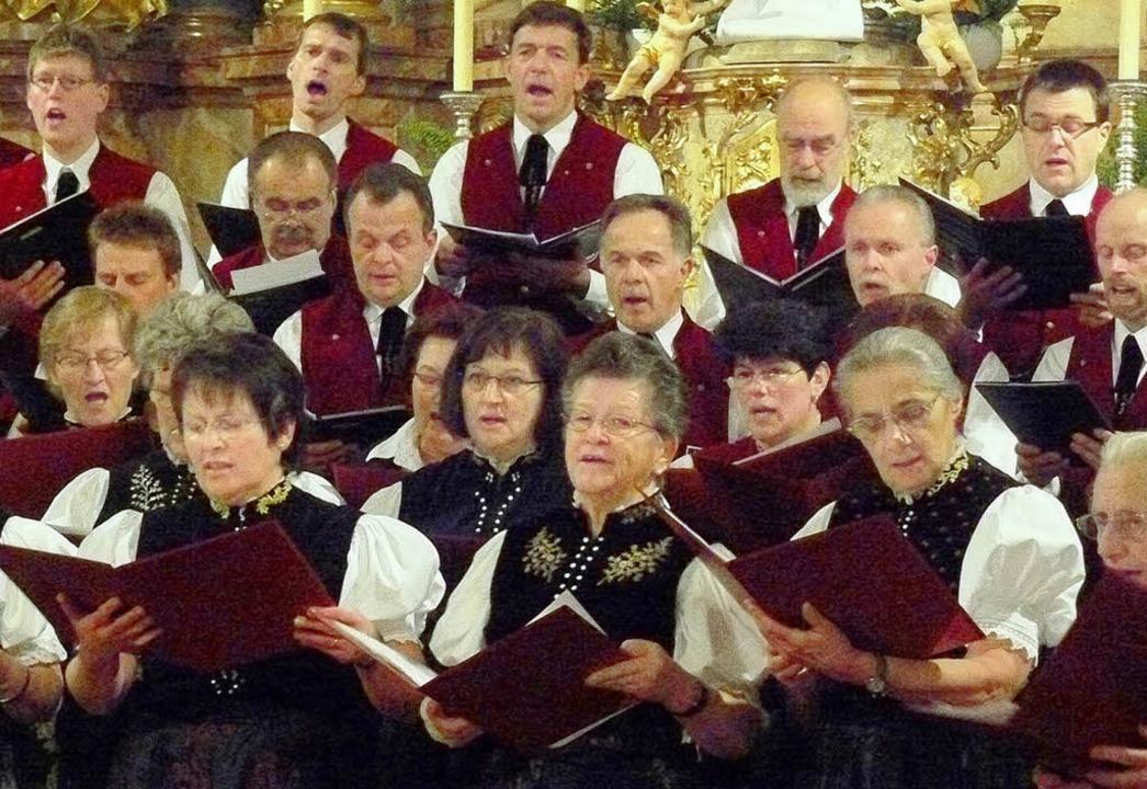 <Bildtext>Vielstimmig und stimmgewalti...entlichen Konzertabend in der Kirche.   | Foto: Edeltraud Blume