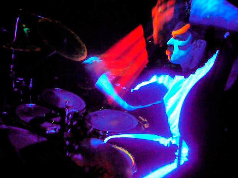 Im leuchtenden Bühnenkostüm: Michael Reith in der Show der Blue Man Group.   | Foto: privat