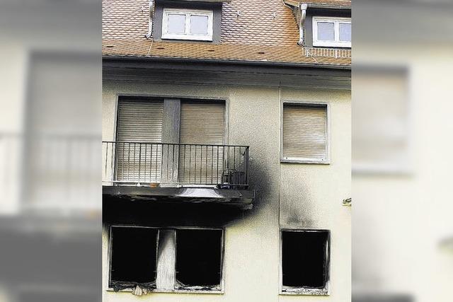 Feuer – Wohnung brennt völlig aus