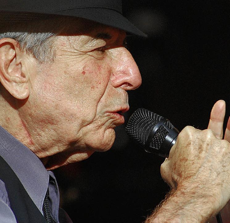 Spielte ein altersweises Konzert bei Stimmen: Leonard Cohen   | Foto: barbara ruda