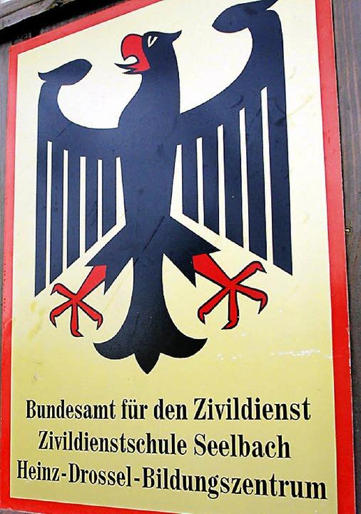 Der Bundesadler flattert von Seelbach fort.  | Foto: Heidi Foessel