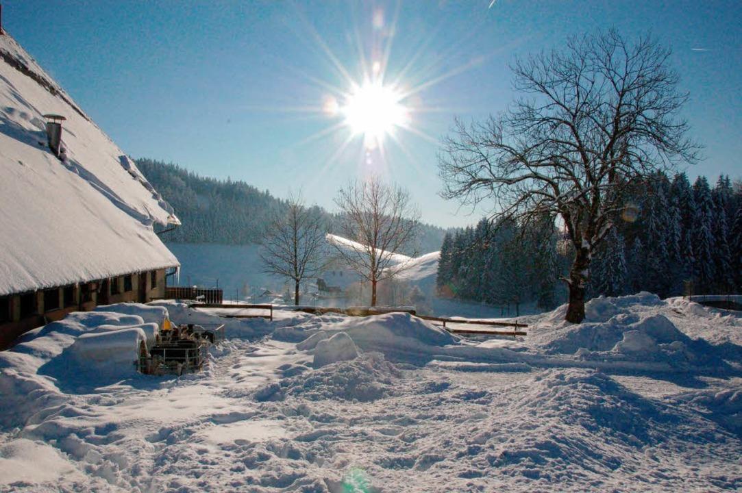 Auch die Winterlandschaft zieht Touristen an: Um 14 Uhr kommen die neuen Gäste.  | Foto: Hoffmann