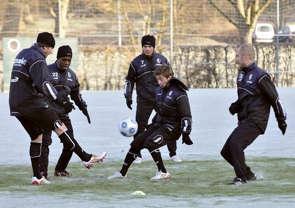 Trainingsauftakt beim SC Freiburg: Dav...Butscher,  Uzoma, Günes und Baramovic.    Foto: Michael Heuberger