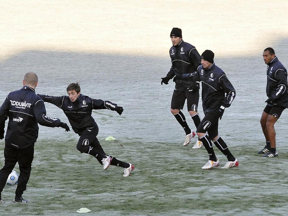 Aus der Kälte des Breisgaus flieht der SC zur Vorbereitung nach Spanien.    Foto: Michael Heuberger