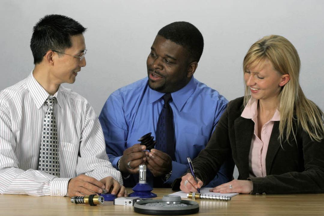 Der Austausch klappt, wenn Mitarbeiter...es Gegenübers kennen und respektieren.  | Foto: PR