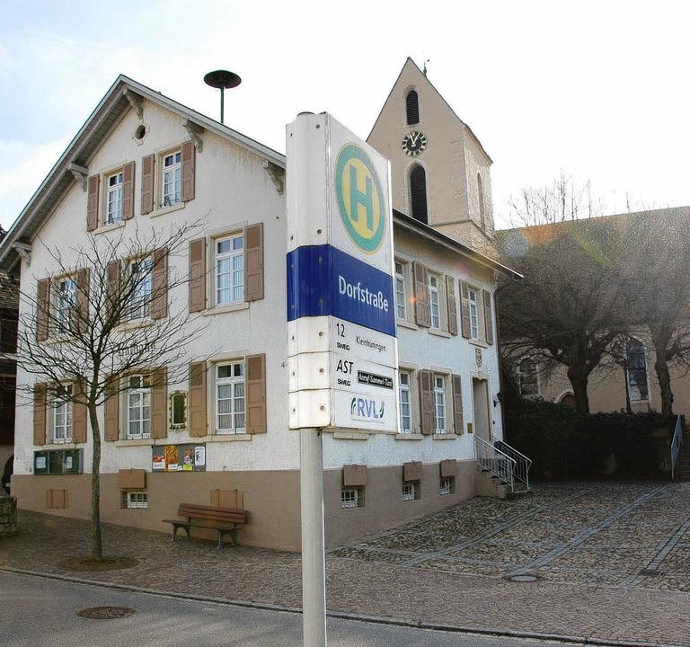 Die  Nahverkehrsanbindung  bleibt ein Thema  in Ötlingen.     Foto: Lauber