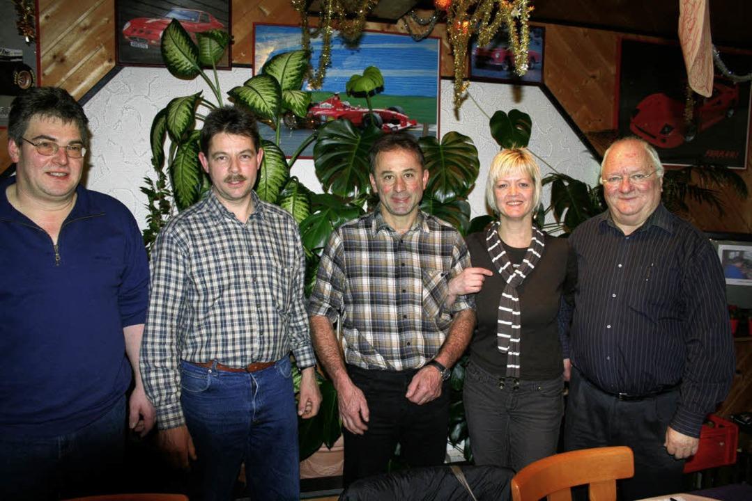 Gesangverein  Hasel (von  links): Der ... Hasler Chöre schon 15 Jahre leitet.    | Foto: Gerhard Sutter