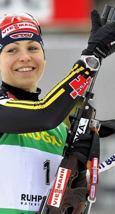 Die Freude ist groß: Magdalena Neuner in Ruhpolding  | Foto: dpa