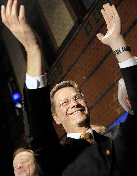 Das fühlt sich an wie Weihnachten: FDP...er ersten Hochrechnung gestern Abend.   | Foto: dpa