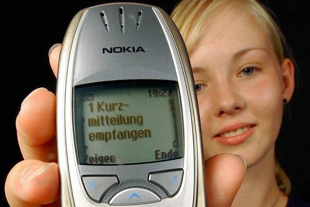 Mädchen verschickt 484 SMS – pro Tag