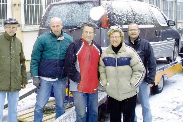Ehepaar spendet ein Auto für die Gambia-Hilfe