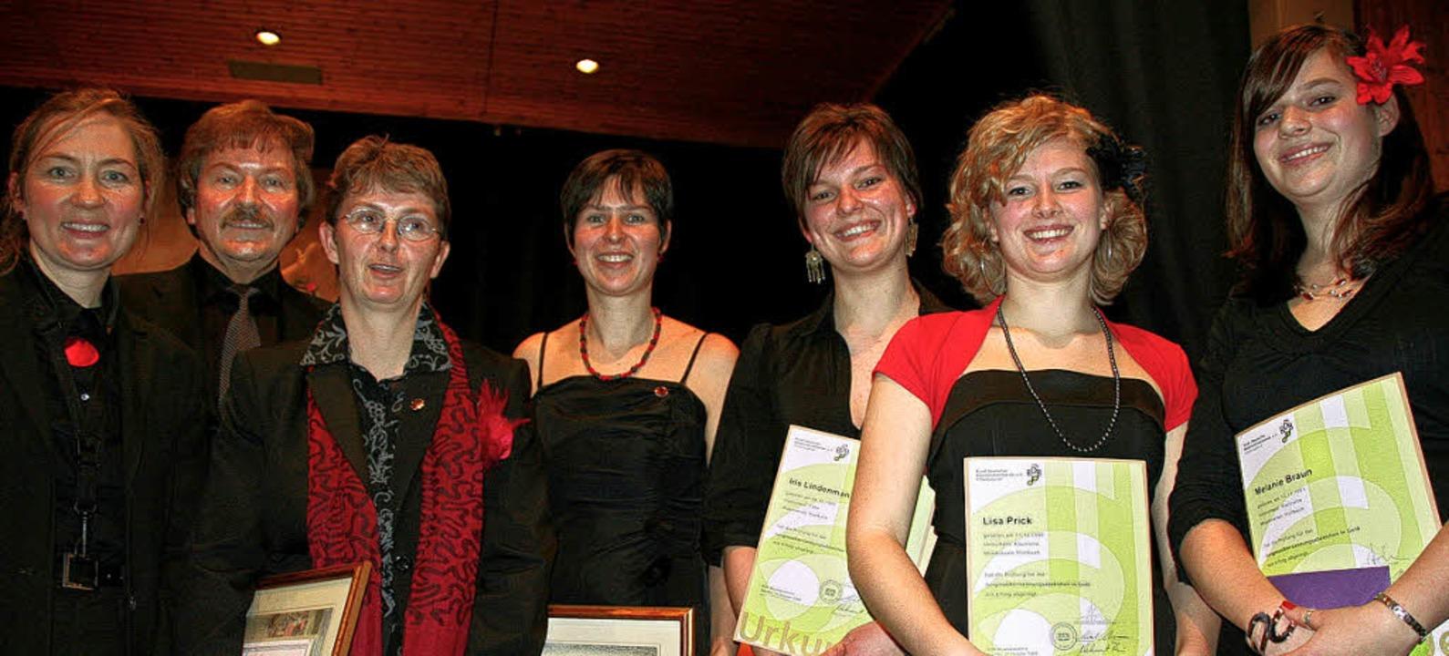 <Bildtext>Freude beim Musikverein Woll...ld von links nach rechts). </Bildtext>  | Foto: Michael Raab