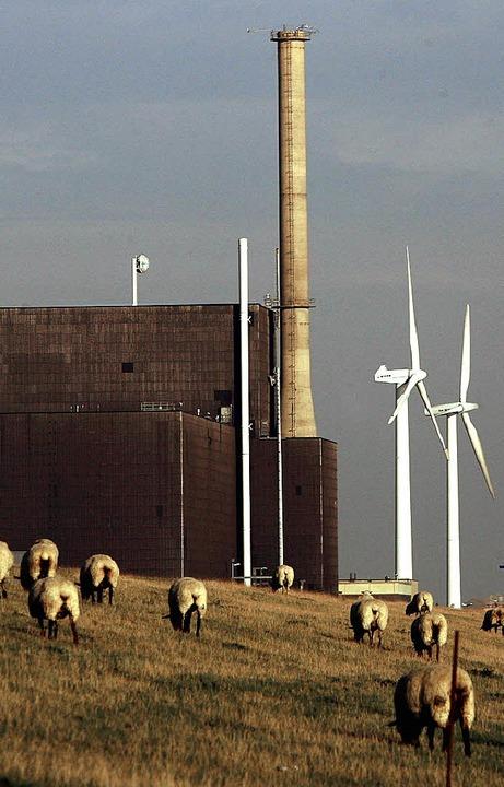 Für Atommeiler wie das in Brunsbüttel ...Nun bekommen auch die Windräder eine.   | Foto: ddp