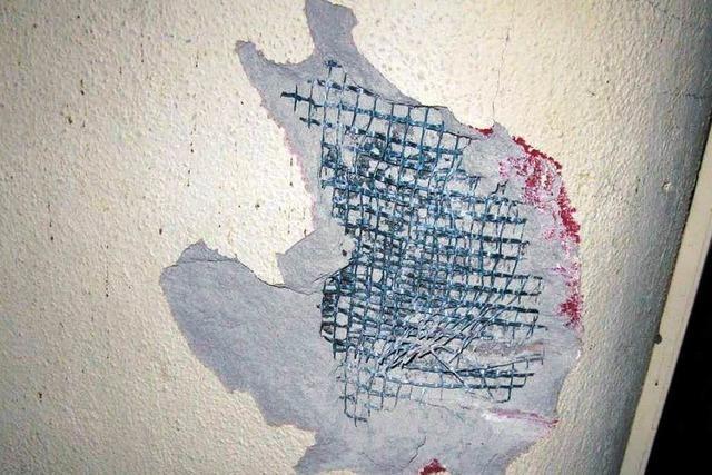 Hauswand der Garage beschädigt
