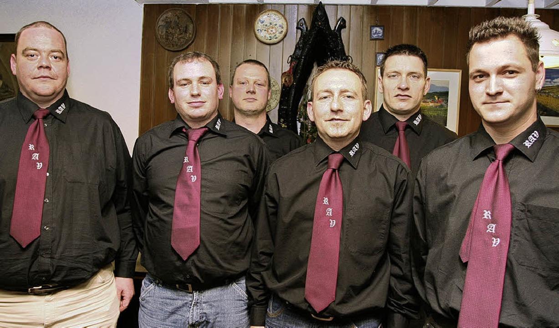 Das neu gewählte Vorstand des RAV Rieg...und Jürgen Wagner (hinten von links).   | Foto: Eberhard Kopp