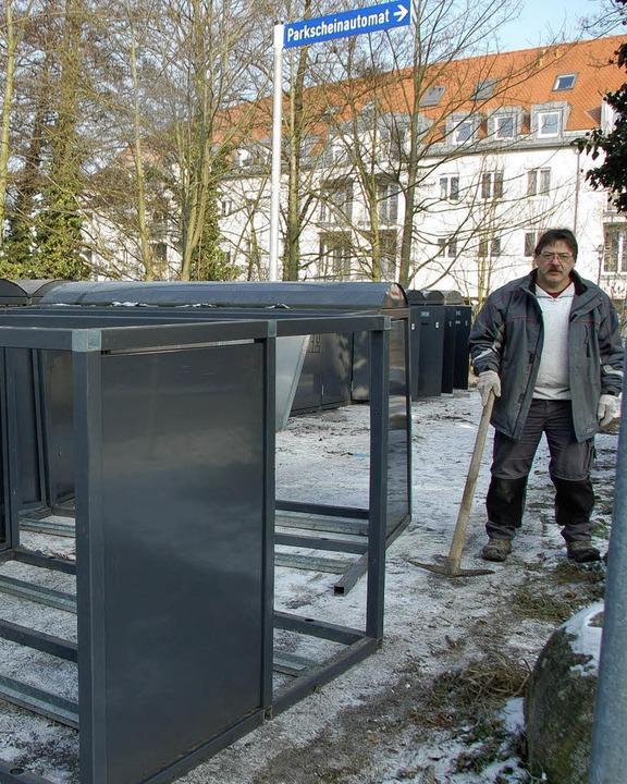 Die Radboxen sind schon aufgestellt, d... demnächst   beim Cornelia-Brückchen.     Foto: Sylvia-Karina Jahn