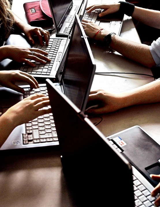 Das Lernen  am Laptop fördert auch die Studierfähigkeit.   | Foto: ddp