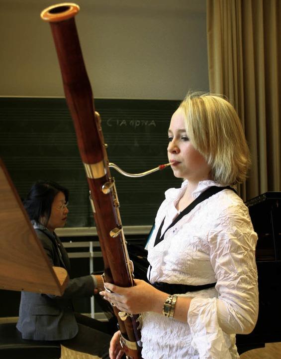 Eine  von 312: Nathalie Luedtke beim Vorspiel     | Foto: Rita Eggstein