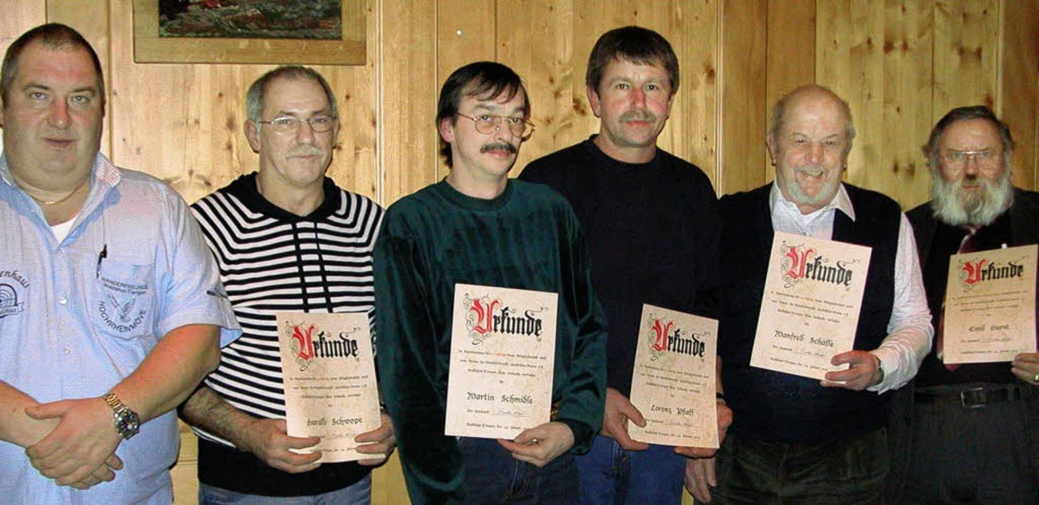Torsten Hüppe (links) ehrte Harald Sch...aff, Manfred Schäfle und Emil Hurst.    | Foto: Gisi