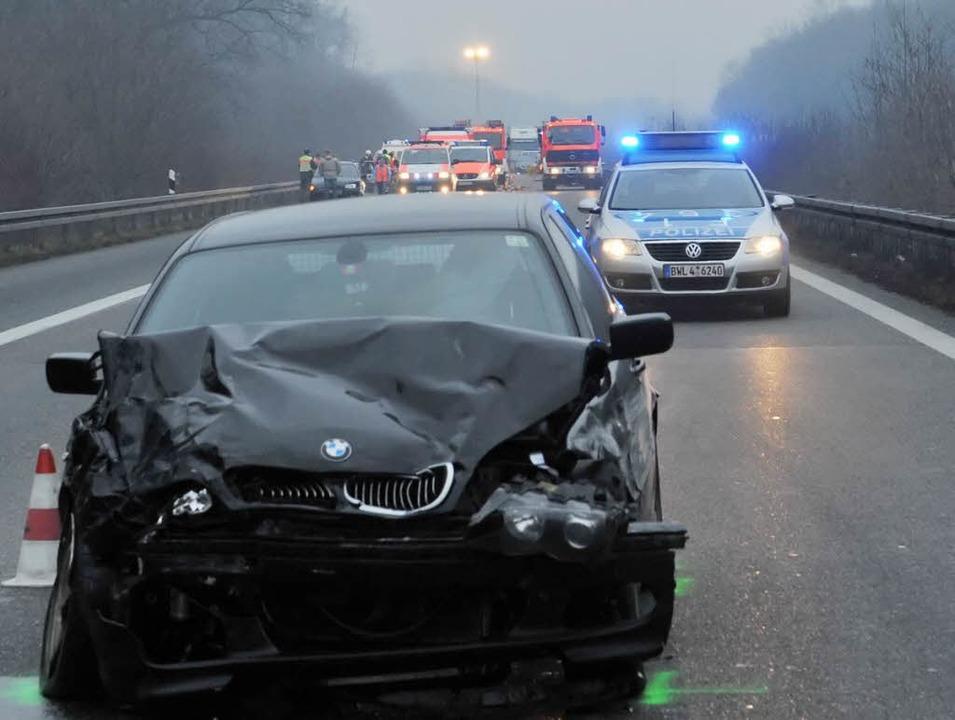 Der schwarze BMW war mit hoher Geschwi...auf der linken Spur unterwegs gewesen.  | Foto: Patrick Seeger