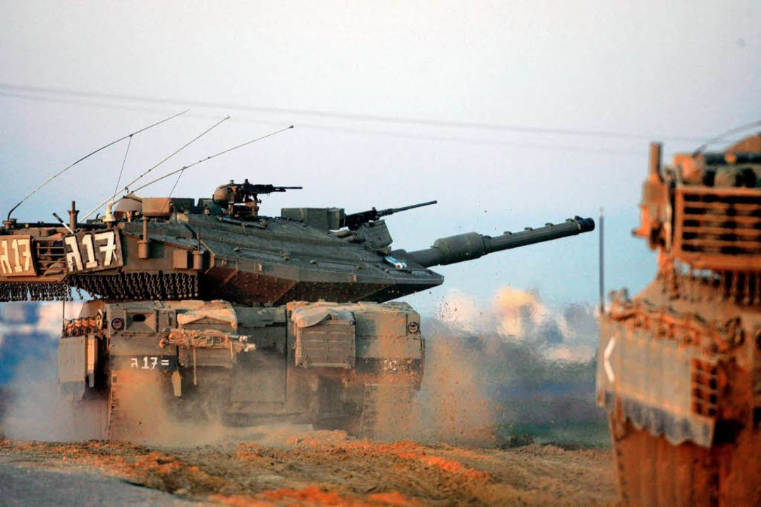 Beim jüngsten Zwischenfall im Nahen Os...wieder israelische Panzer zum Einsatz.  | Foto: dpa