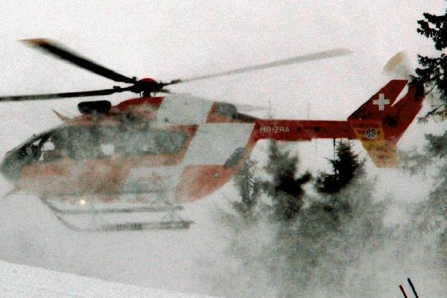 Hubschrauber birgt jungen Skifahrer