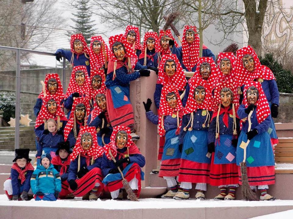 Die Lohbachhexen im Jubiläumsjahr  | Foto: narrenzunft