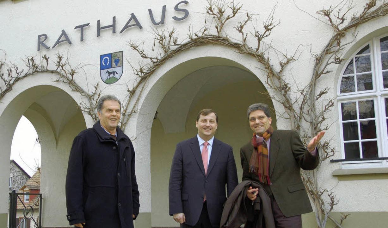 Zu Gast in Schallstadt: CDU-Bundestags...nks) und Bürgermeister Jörc Czybulka.   | Foto: Tanja Bury