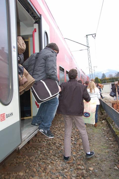 Die rund 200 Fahrgäste kamen mit dem Schrecken davon.  | Foto: Franz Dannecker
