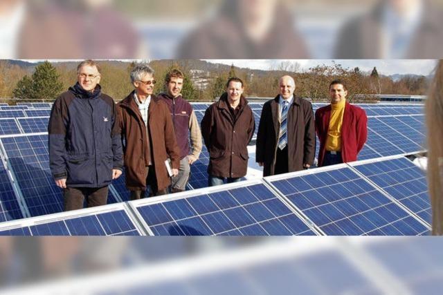 Saniertes Dach der Goethe-Halle liefert Ökostrom