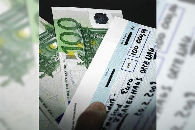 Der plötzliche Geldregen löst vorsichtige Vorfreude aus
