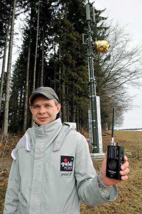 Immer dabei: Das Strahlenmessgerät.    Foto: dpa