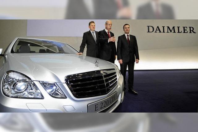 Benz blickt bang in die Bilanz