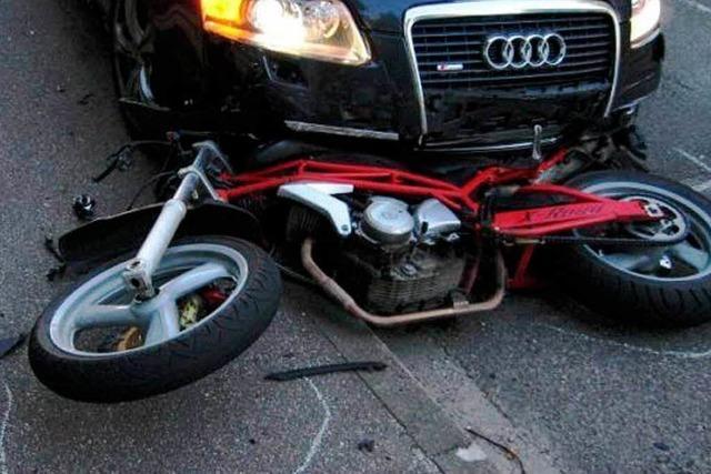 Weniger Unfälle mit Fußgängern und Kradfahrern