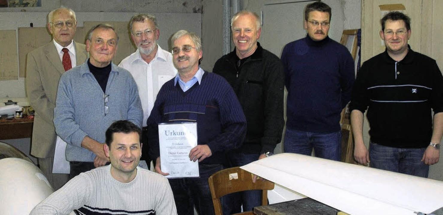 Der neue Vorstand und  geehrte Mitglie...bert Wielscher und  Christoph Punzet.   | Foto: Privat