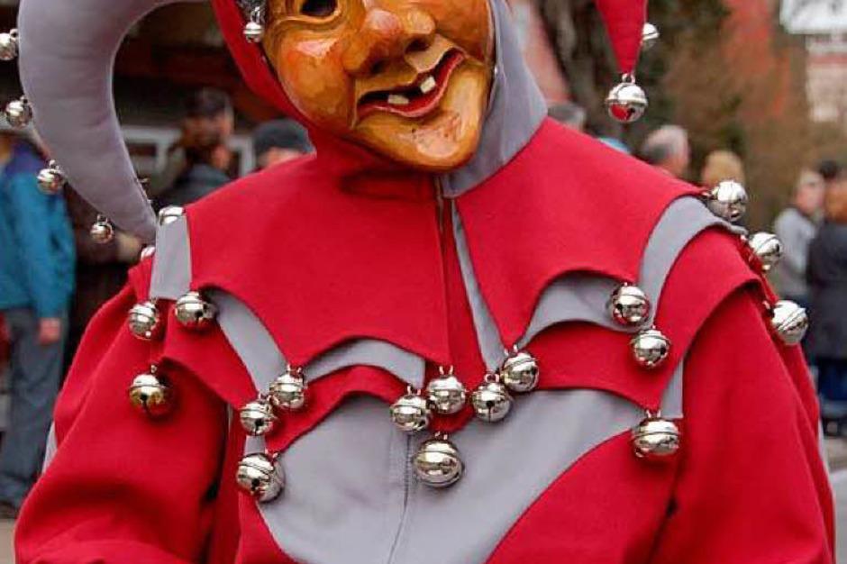 Viele Narren waren beim bunten Jubiläumsumzug mit dabei. (Foto: Tanja Bury)