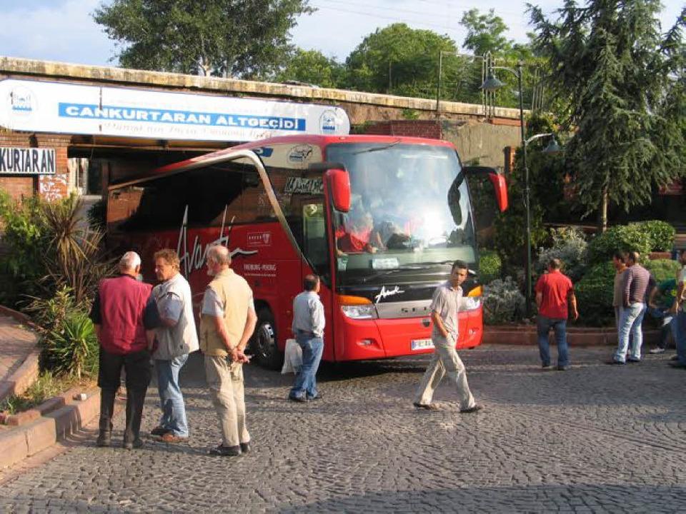 Fahrt mit Hindernissen: in einer  Unterführung in Istanbul  | Foto: r. Lorenz