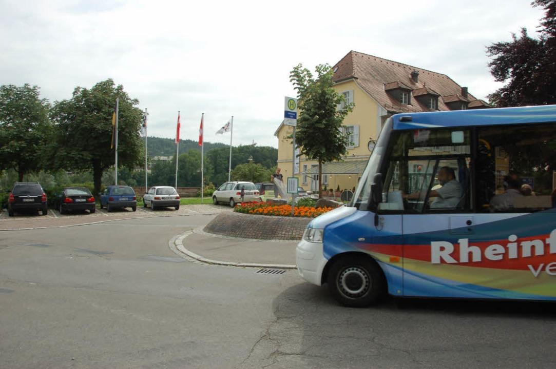 Außenminister  Steinmeier und seine Am... fahren mit dem Bus durch Rheinfelden.    Foto: Julia Jacob