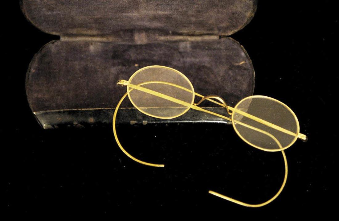Weltberühmt: die  Nickelbrille von Mahatma Gandhi  | Foto: AFP