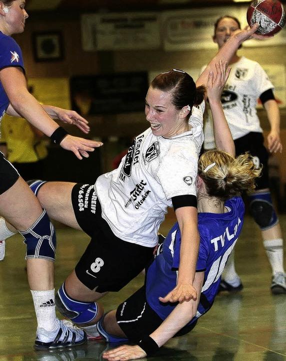 Handball Suedbadenliga 2009TuS Ottenhe...ahrSaskia Erb (TuS Ottenheim #8) mitte    Foto: Peter Goermer