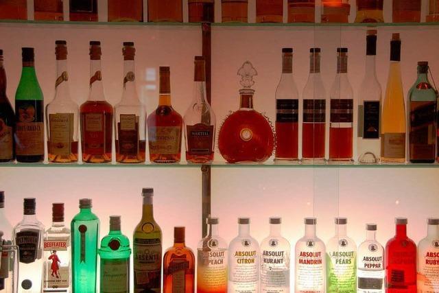 Alkohol und Tabak erst ab 18 Jahren