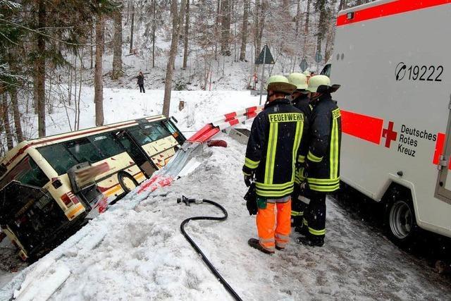 Busunglück: 26 Verletzte – Ursache unklar