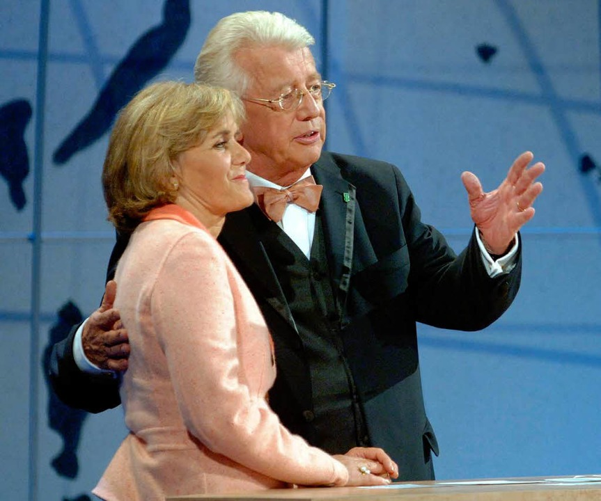 Gemeinsam mit Ingeborg Schäuble bei de...Deutschen Welthungerhilfe in Offenburg  | Foto: dpa/dpaweb