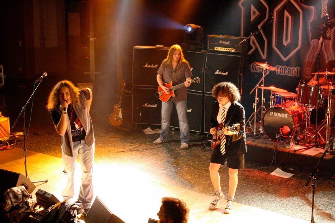 """Rock -The AC/DC Show"" im Faust-Gymnasium.  | Foto: Hans Jürgen Kugler"
