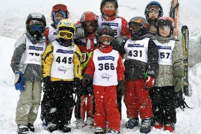 Mit Ski bei Wind, Sturm und Graupel