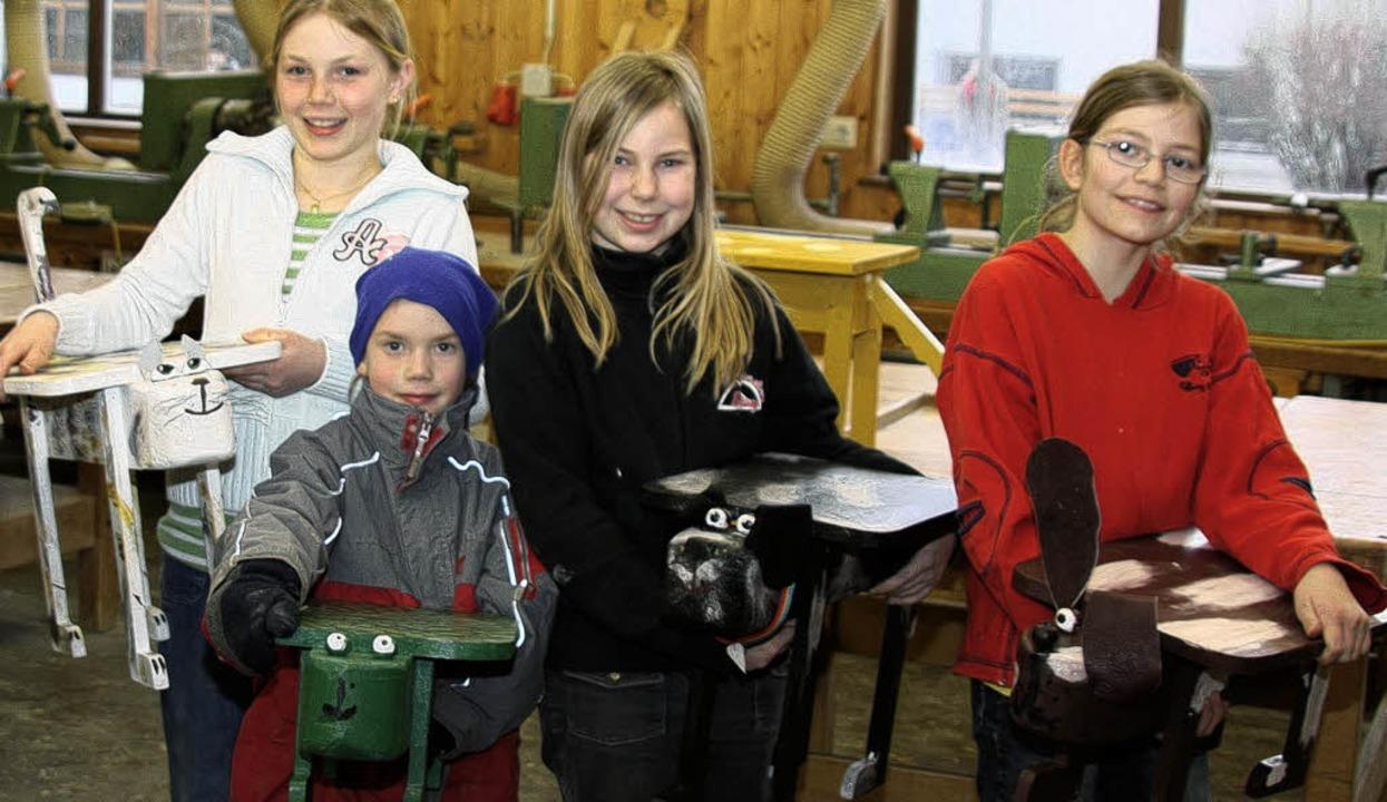 Im Rahmen der Ferienbetreuung im  Lörr...kinder  auch  kreativ tätig werden.     | Foto: GP