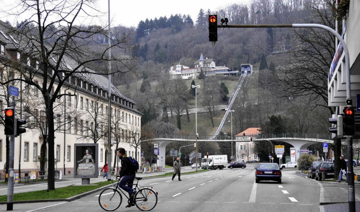 Heute überspannt der Karlsteg  die Str...                                        | Foto: Ingo schneider