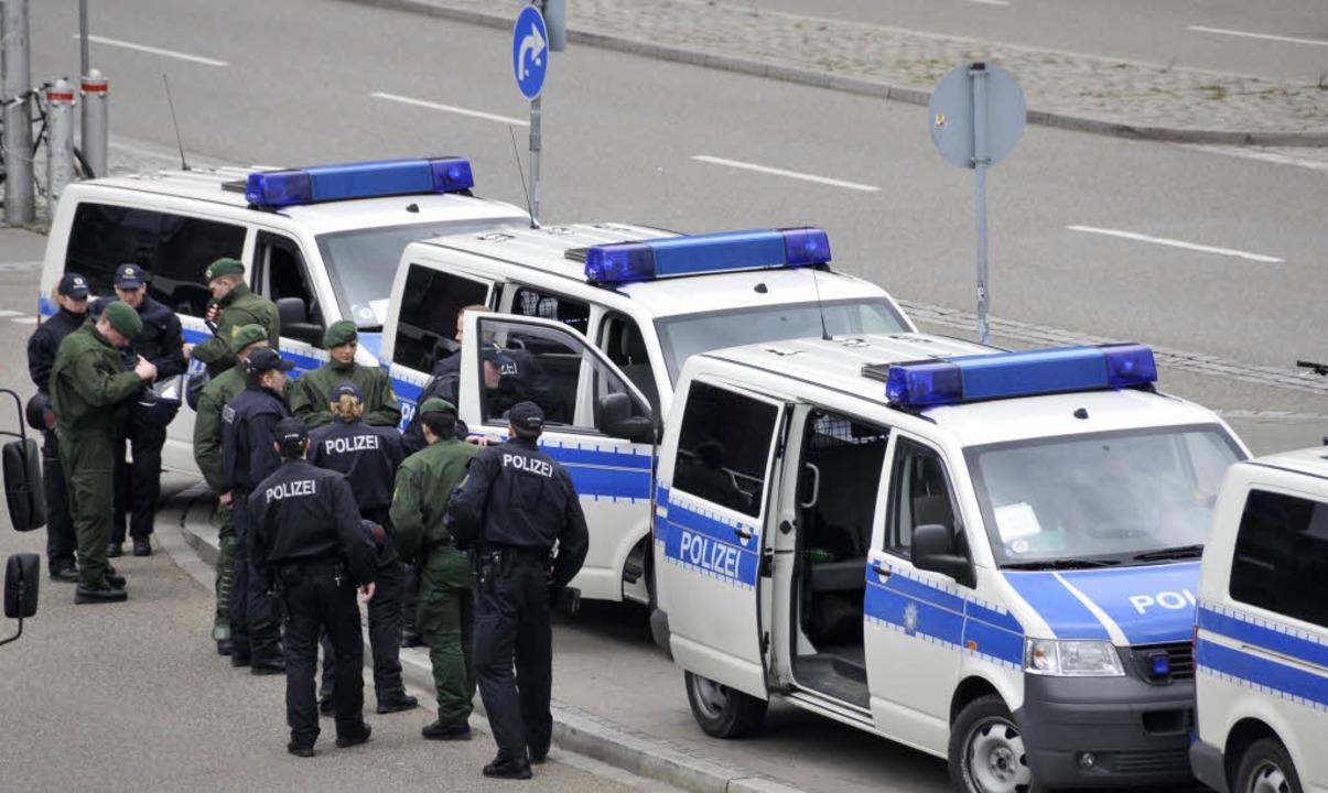 Polizeieinsatz am Freiburger Hauptbahnhof.    Foto: Ingo Schneider