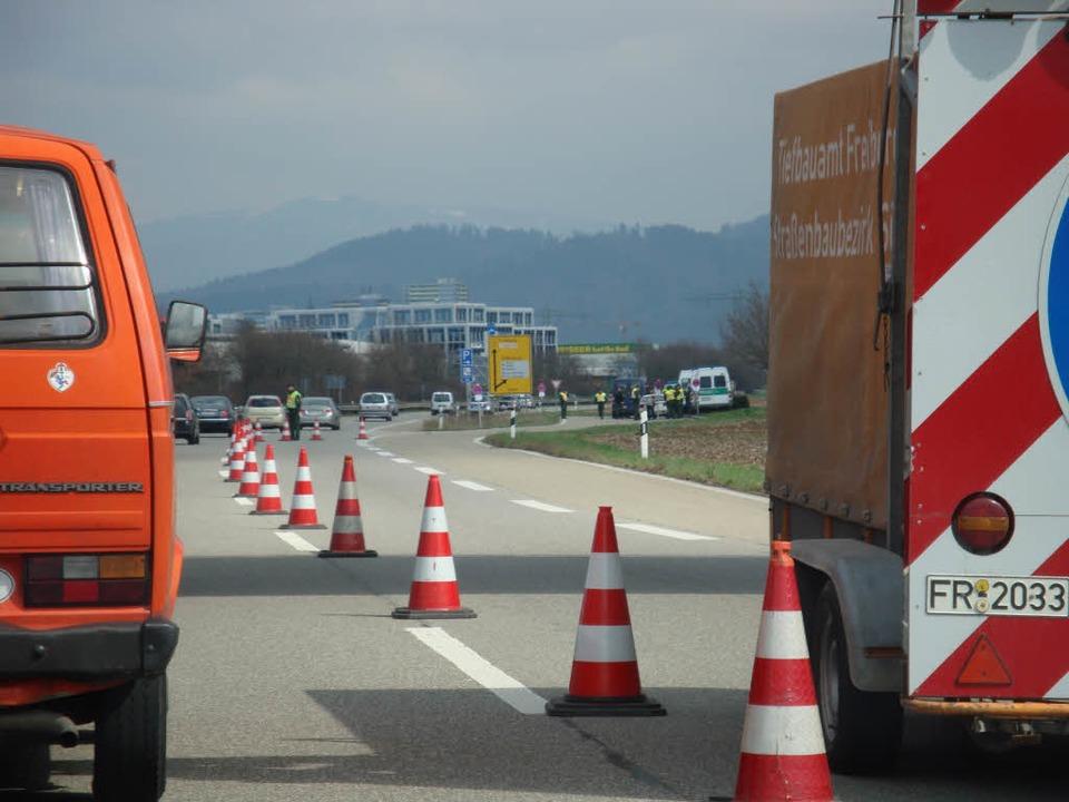 Die Zufahrtstraßen rund um Freiburg werden derzeit von der Polizei kontrolliert.    Foto: Frank Thomas Uhrig